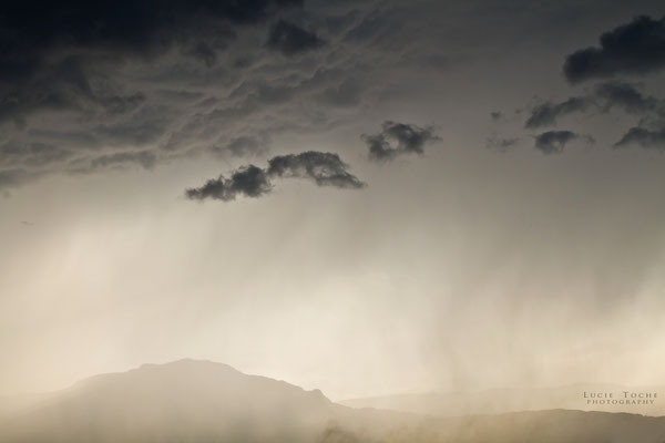 la pluie arrive du Vercors . . . bonheur d'une pluie d'été