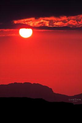 Octobre Rouge...Coucher de Soleil au Lac Fourchu.