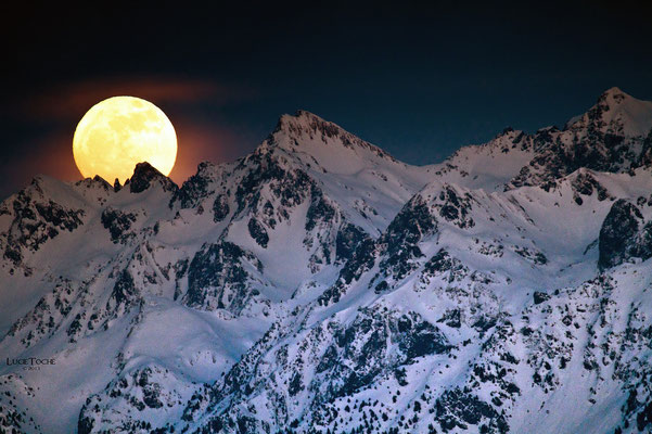 Lever de Lune sur le massif de Belledonne
