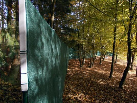 Zaun erhöhen und Sichtschutz installieren