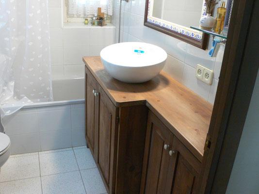 Moble de fusta pel bany. Ref: B01