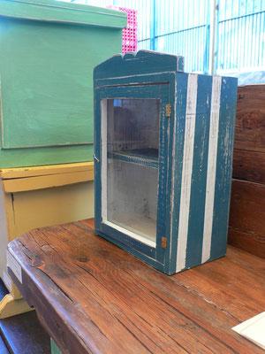 Mueble con vidrio pintado en azul Ref: D07