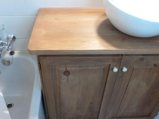 Detall de moble de bany. Ref: B01