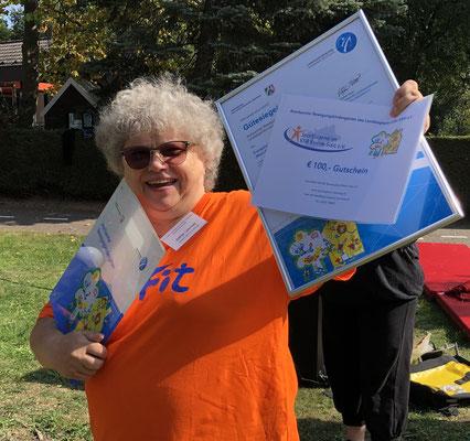 Sabine Liebchen, Leiterin des Ev. Familienzentrums Maria Magdalena, freut sich über die Auszeichnung als anerkannter Bewegungskindergarten.