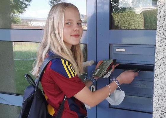 Viele Briefkästen wurden mit den Flyern bestückt.