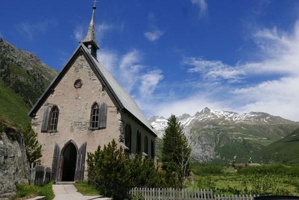 Noch vor 120 Jahren reichte der Gletscher bis zu der schönen Kapelle
