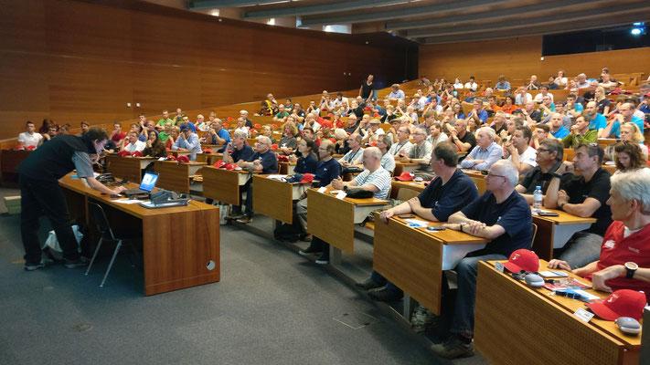 Trefen der Wave-Teilnehmer im Auditorium der ETH Zürich.