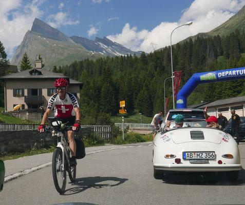 Rolf Menzi auf dem Weg von St. Bernardino zum Lago Maggiore.