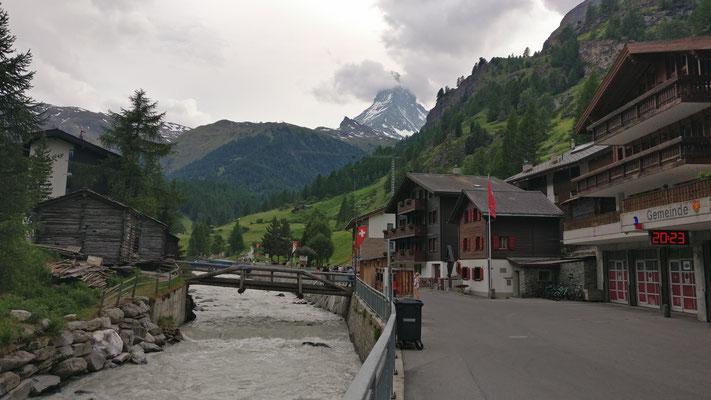Zermatt mit Blick auf das Matterhorn.