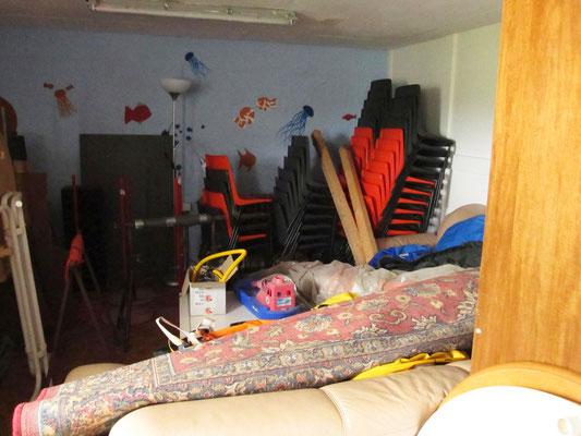 Aus dem Jugendraum wird übergangsweise Lager.