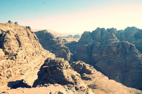Petra mit Blick auf die Schlucht