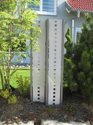Stelen aus Metall - Sichtschutz doppelt