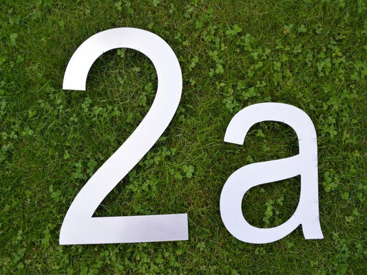 XXL Hausnummer 30cm + Buchstabe