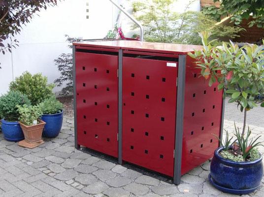 "2er Mülltonnenbox mit Klappdach - Stanzmuster ""ST 3/5"", Farbvar. 2: Pfosten: DB 703 / Bleche: RAL 3004"