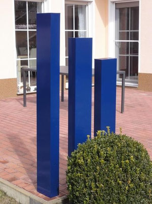 Stele blau (auch kombinierbar mit modularen Zaunsystem)