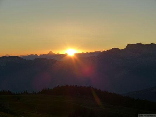 Lever de soleil depuis le Semnoz fin juillet
