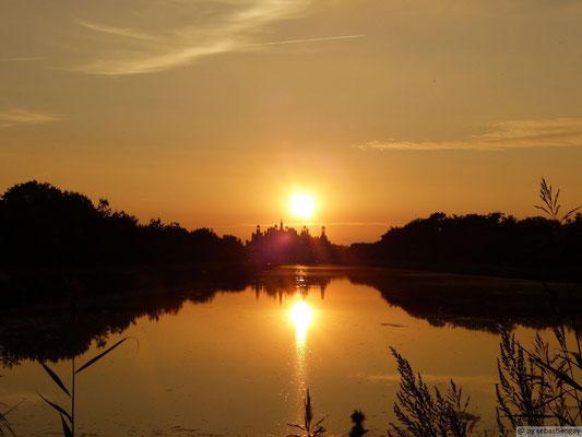 Couché de soleil sur le château de Chambord
