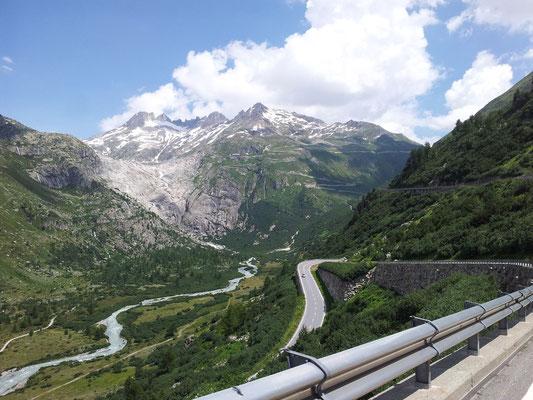 Les lacets du col de Furka (Suisse)