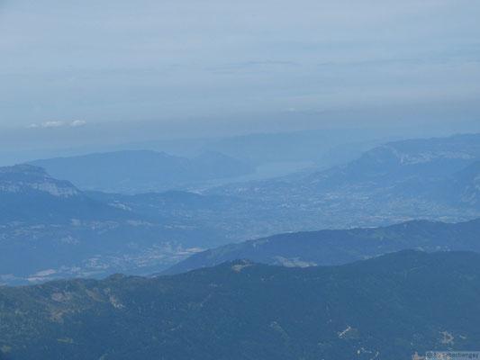 Vue sur lel lac d'Aix les Bains depuis le sommet du rocher Blanc