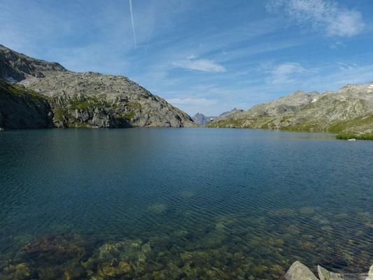 Lac blanc et le massif de Belledonne au fond