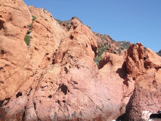 Paysages volcaniques de la réserve naturelle de Scandola