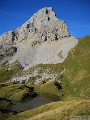 Pointe Blanche depuis le lac de Peyre