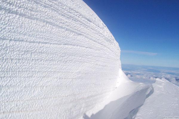 Parroi de glace en montant au Mt Blanc