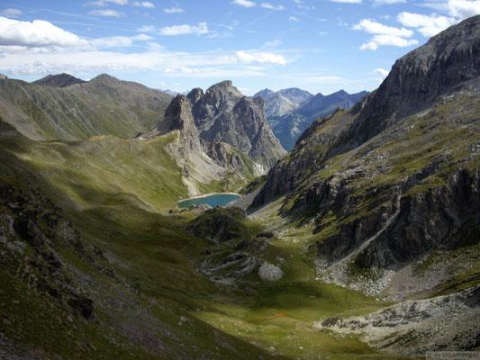 vu sur le lac de la Ponsonnière depuis le col de la Ponsonnière (2613m.)