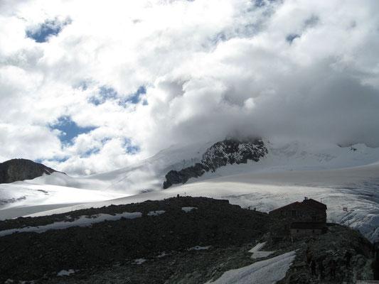 En route vers le sommet (Le refuge de Tracuit)