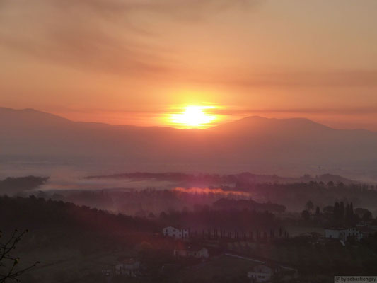 Lever de soleil en Toscane