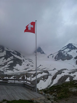 Terrasse du refuge Rotondohütte SAC
