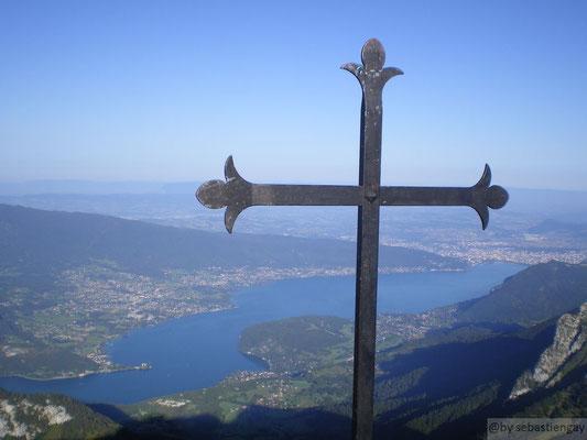 Vu du lac depuis le sommet de la Tournette