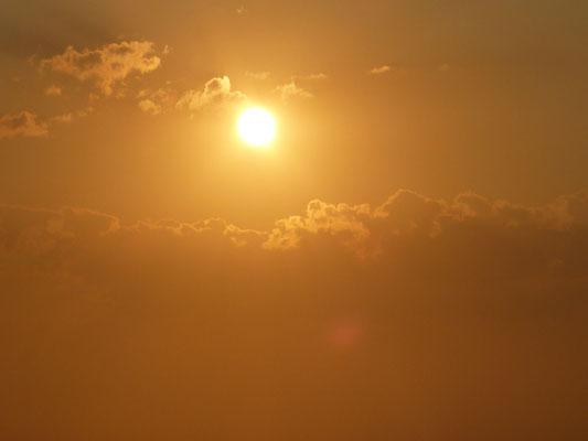 >Lever de soleil en méditerranée
