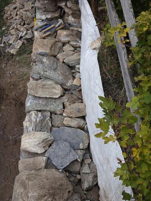 Détail de la profondeur de la maçonnerie du mur