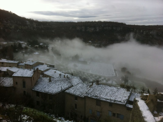 Vue en basse saison des toits du village