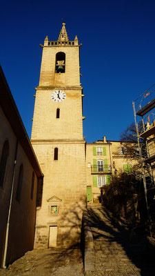 L'Eglise de Mane (XVIIème siècle) avec son clocher à fleurons