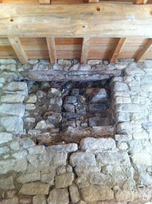 Reprise de maçonnerie sous linteau int. mur (avant)