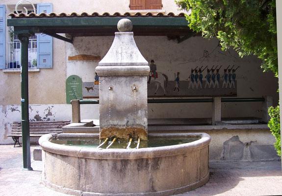 La précieuse fontaine qui a fait office d'approvisionnement en eau