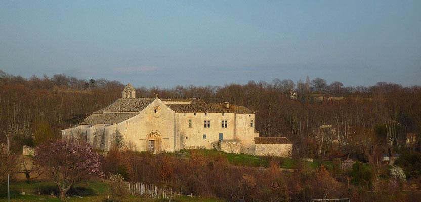 Vue d'ensemble du prieuré de Salagon (XIIème) qui mérite une visite. Il accueille aujourd'hui le musée départemental d'ethnologie et ses cinq jardins à thème.