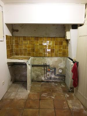 La kitchenette après dépose des meubles et accesoires