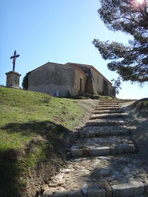 En contrebas de la chapelle