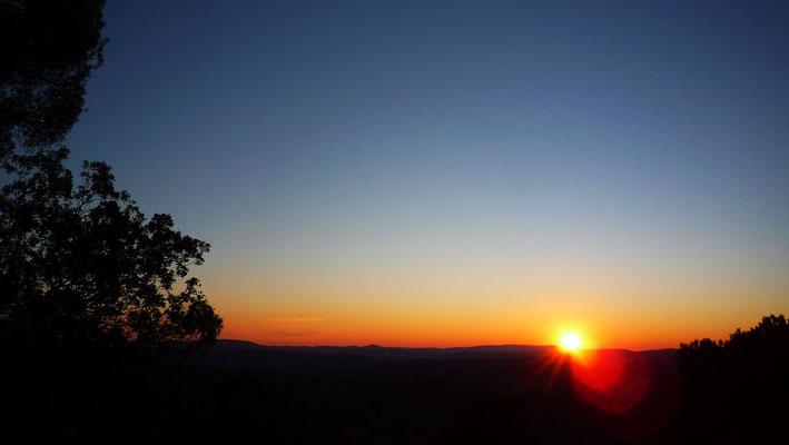 Coucher de soleil pris depuis les falaises Nord-Ouest du plateau (Fontaine aux Oiseaux)
