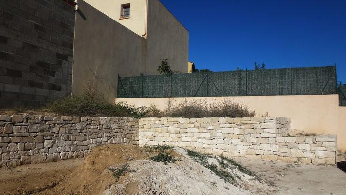 Vue partielle du mur de soutenement