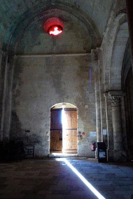 Intérieur de l'église classée du Prieuré. Elle reçoit souvent des formations ou des rencontres musicales https://www.youtube.com/watch?v=9pCIHDAiKEQ