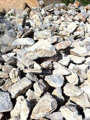 Pierres utilisables en fondation ou bloquage de fondation