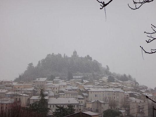 Forcalquier sous la neige : phénomène météo assez rare !
