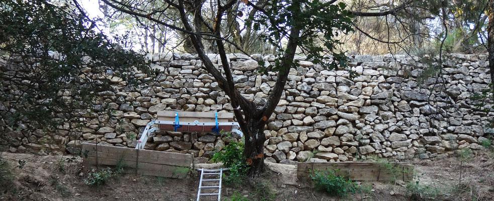 Vue du mur achevé dans sa globalité