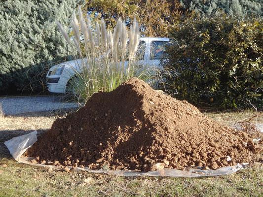La quantité de terre extraite est impressionnante (près de 2 m3)!