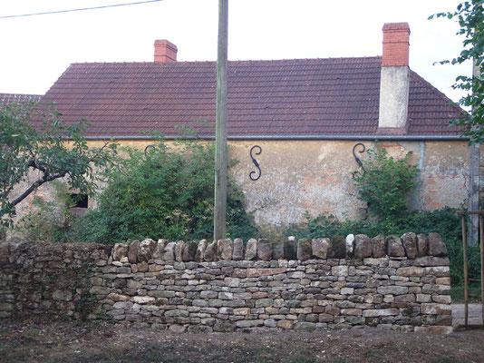 Vue de la section reprise depuis l'intérieur de la propriété