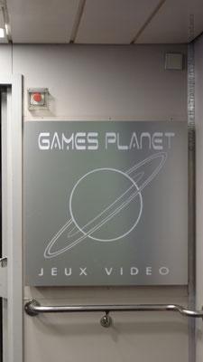 Écriteau à l'entrée du Games Planet